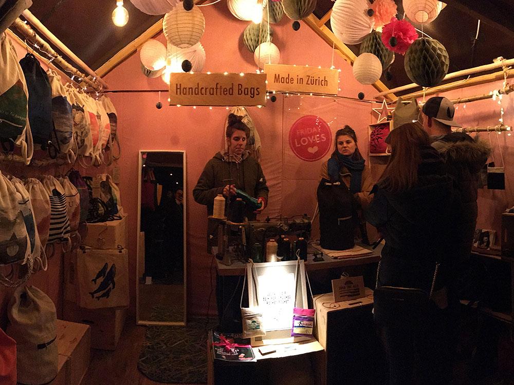Zürcher Wienachtsdorf am Bellevue: Friday loves-Chalet